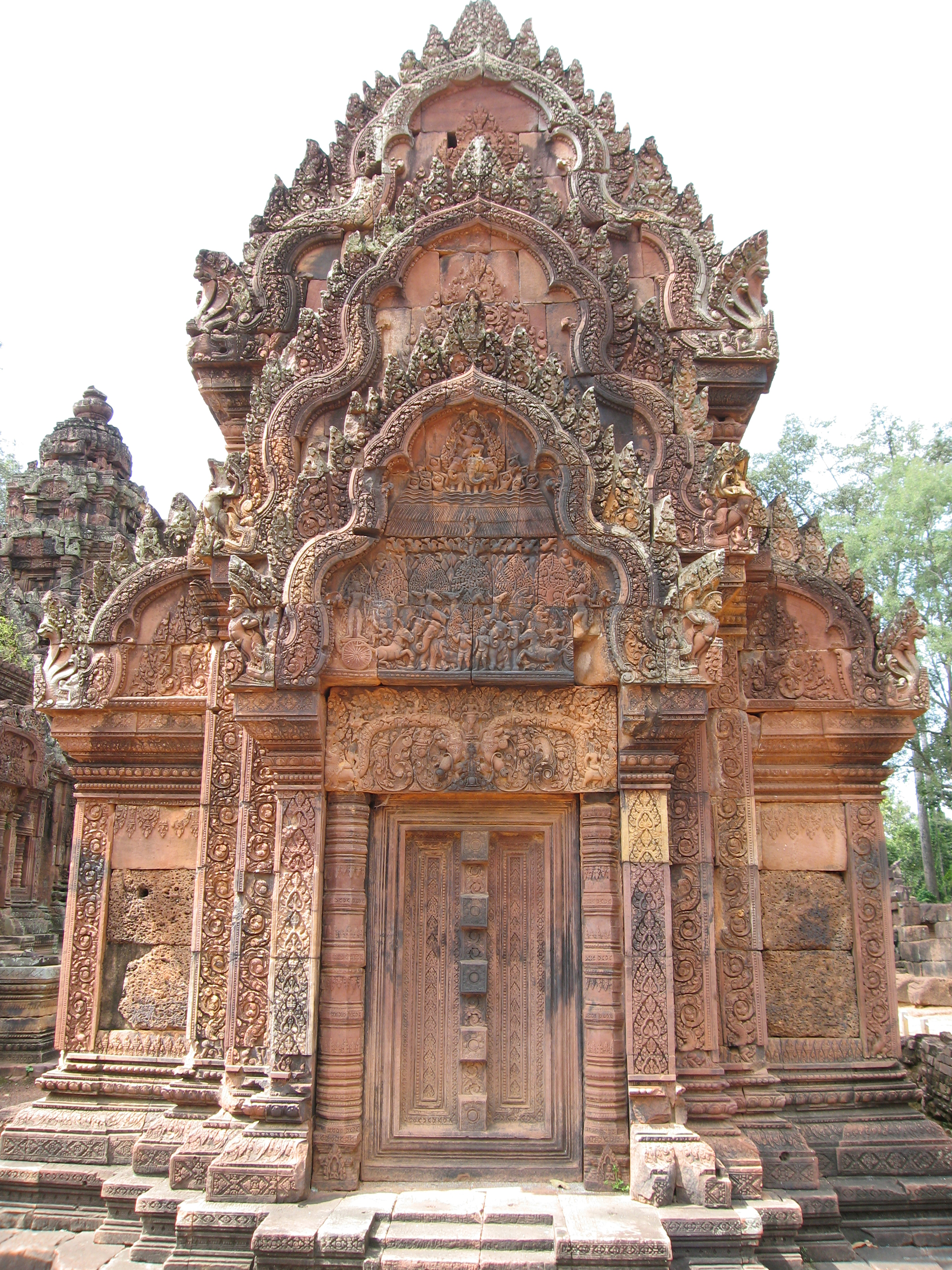 Banteay Srei decorated temple