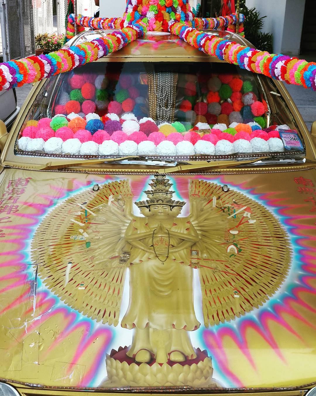 Spiritmobile: a spiritual medium's daily driver #cars